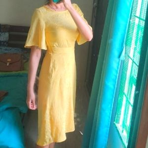 Vero Moda Yellow midi dress